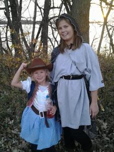 Greta and Carlie costumes