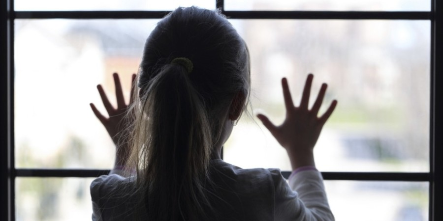 o-child-looking-out-window-facebook-1024x512