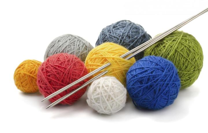 knitting-for-the-needy